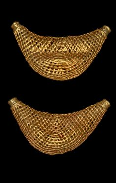 Africa | Lost wax castings in gold of two open-work crescent-shaped beads (bosome) with integral suspension tubes. | Asante people. Royal Palace, Kumase, Ghana | 19th century (prior to 1874) || {3.8}