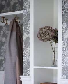 :) Entry Hallway, Entry Doors, Arts And Crafts Movement, William Morris, Ladder Decor, Oversized Mirror, Wallpaper, Simple, Instagram Posts