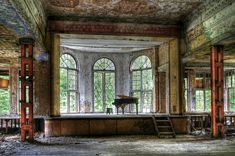The former TB hospital, Heilstätte Grabowsee.   The 18 Most Hauntingly Beautiful Abandoned Places In Germany