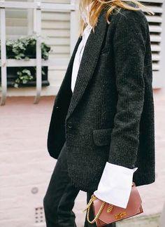 La veste masculine faussement élimée, assurément l'un des basiques du printemps 2017 (photo Camille Charrière)
