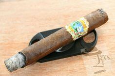 """Very rich tobacco notes"" Cabarete Maduro by Villiger cigar review at http://theaveragejoescigar.com/2015/10/30/very-rich-tobacco-notes-cabarete-maduro-by-villiger-cigars-review/. #theaveragejoescigars #forthenewandcasualsmoker #finecigars #cigars #smokinjoessociety #smokinjoes #press #streetliterature #stogiechannel #literature #news #premiumcigars #villiger @villigercigarsusa"