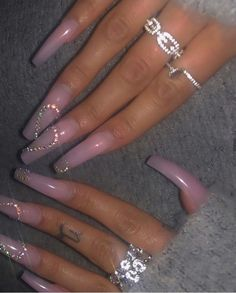 Find images and videos on We Heart It - the app to get lost in what you love. Drip Nails, Bling Acrylic Nails, Acrylic Nails Coffin Short, Best Acrylic Nails, Bling Nails, Swag Nails, Edgy Nails, Grunge Nails, Stylish Nails