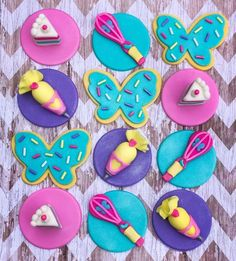 Only place your orders if they are needed after June 12 Butterbean cafe theme edible fondant cupcake toppers Vegan Shortbread, Baking Birthday Parties, Satin Ice Fondant, Pink Cupcakes, Valentine Cupcakes, Themed Cupcakes, Fondant Cupcake Toppers, Cupcake Cakes, Butter Beans