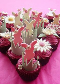 Easter themed Cupcakes research the bakery/who made them!