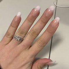 Semi-permanent varnish, false nails, patches: which manicure to choose? - My Nails Acrylic Nail Shapes, Best Acrylic Nails, Gel Nail Art, Nail Manicure, Shellac Nails, Natural Looking Nails, Natural Nails, Wide Nails, Crystal Nails