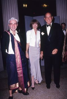How did we miss Galiano wearing a sari at the Met in 1990???