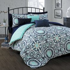 Features:  -Over filled.  Product Type: -Bed-In-a-Bag.  Style: -Contemporary.  Pattern: -Geometric.  Material: -Microfiber.  Number of Items Included: -10.  Pieces Included: -1 Comforter, 2 shams, 3 d