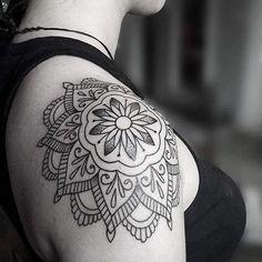Shoulder mandala tattoo.it's done 😎😎 Mandala dövmeleri ayrı bir keyif veriyor 😊😊 #tattoo #tattoos #mandalatattoo #shouldertattoo #mandala #dovme #tattooer #tattooist #tattooing #ink #inked #tattoolovers #tattooartist #melektastekin #melektaştekin #instatattoo #instagood #tattoolovers #ankara #dovmeturkiye #tats #tatu #mandalaflower #tatted #bilkentuniversity #hacettepeuniversity #tattoohouse #instagram