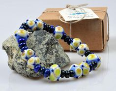 Items similar to Blue tone bracelet on Etsy Handmade Bracelets, Beaded Bracelets, Blue Tones, Accent Colors, Deep Blue, Arts And Crafts, Beads, Pattern, Pink