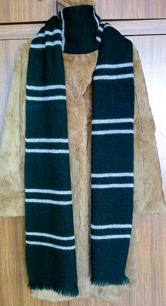 Harry Potter Slytherin House scarf (screen-accurate) – Dovile's Knitting & . Harry Potter Slytherin House scarf (screen-accurate) – Dovile's Knitting & Croc… Ravenclaw Scarf, Slytherin And Hufflepuff, Slytherin House, Slytherin Traits, Slytherin Quotes, Harry Potter Scarf Pattern, Harry Potter Crochet, Harry Potter Houses, Harry Potter Hogwarts
