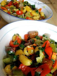 Sommergemüse satt bei Frau S.: Gnocchipfanne mit Seitan und Allerlei aus dem Gemüsebeet. http://frauesveraendertdiewelt.blogspot.de/2013/07/mit-dem-vegan-wednesday-49.html