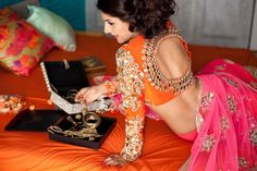 Mirror Work Saree Blouse Designs – Beautiful saree blouse designs with mirror work all over the blouse. Can make a great combination when paired up with plain sarees. Indian Attire, Indian Ethnic Wear, Indian Outfits, Indian Style, Beauty And Fashion, Asian Fashion, Mirror Work Saree Blouse, Blouse Orange, Green Blouse