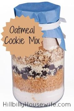 Trendy baking gifts in a jar cookie mixes Ideas Mason Jar Cookie Recipes, Mason Jar Cookies, Jar Recipes, Oatmeal Cookies In A Jar Recipe, Oatmeal In A Jar, Cooking Recipes, Cooking Tips, Cake In A Jar, Dessert In A Jar