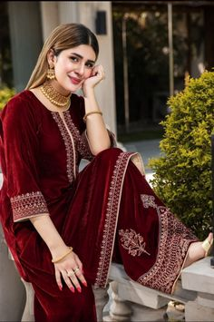Beautiful Pakistani Dresses, Pakistani Formal Dresses, Pakistani Dress Design, Pakistani Fashion Party Wear, Pakistani Wedding Outfits, Indian Fashion, Women's Fashion, Fancy Dress Design, Bridal Dress Design