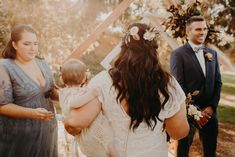 Read more about bridal hairstyles at home – Red Unicorn Boho Wedding Hair Half Up, Bridal Hair Half Up, Bridal Hair Updo, Wedding Hair Flowers, Wedding Veil, Bridal Makeup For Brunettes, Bridal Makeup Looks, Bride Makeup, Bridal Beauty