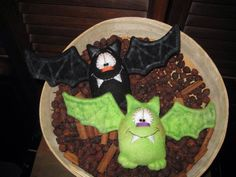 Primitive Hand crafted Halloween Set of 2 Bat Ornie Tuck Shelf Sitter by GooseNBerryCorners on Etsy https://www.etsy.com/listing/107053733/primitive-hand-crafted-halloween-set-of