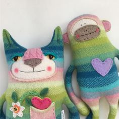 """156 Gostos, 6 Comentários - @sweetpoppycat no Instagram: """"#unicorn colored creatures! I've been saving this sweater for #somethingspecial"""" Fabric Animals, Sock Animals, Animals For Kids, Pet Toys, Baby Toys, Sock Monster, Handmade Stuffed Animals, Sock Toys, Sock Crafts"""