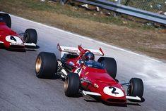 J. Ickx, Ferrari 312B, davanti a Regazzoni, in un altro 312, che più tardi avrebbe vinto il GP d'Italia dal 1970