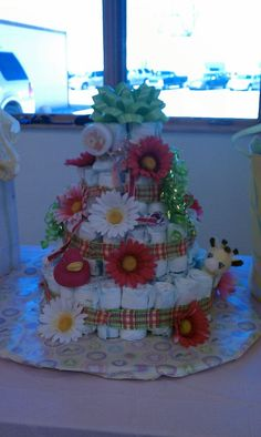 Baby Shower diaper cake...so cool.