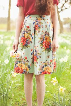 cc47d312f7171 The 1950 s vintage style  floral Anita  skirt from Circus Vintage Style  Outfits