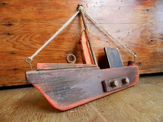 (notitle) - My Creations - Holz Woodworking Projects Diy, Wood Projects, Beach Crafts, Diy And Crafts, Wood Boats, Driftwood Crafts, Nautical Art, Pallet Art, Wooden Art
