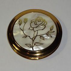vintage powder compacts | VINTAGE-COLLECTABLE-LADIES-POWDER-COMPACT-PEARLY-LID-GOLD-ROSE-UNUSED ...