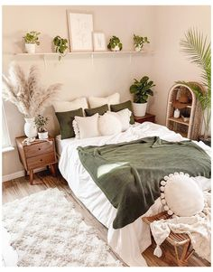 Green And White Bedroom, Green Master Bedroom, Pretty Bedroom, Aesthetic Room Decor, Home Decor Bedroom, Bedroom Ideas, Bedroom Wall, Green Bedroom Decor, Bedroom Quotes