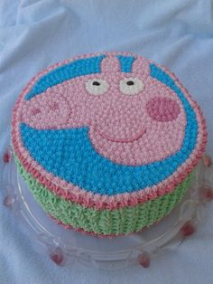 Peppa Pig cake - cream decoration Peppa Pig, Pig Birthday, Homemade Cakes, Kids Rugs, Decoration, Birthday Cakes, Cake Recipes, Cream, Decor