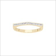 On trend pyramid sparkle ring, gold