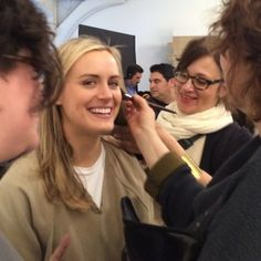 taylor schilling - orange is the new black season 2 - do you see Pornstache in the background ;)