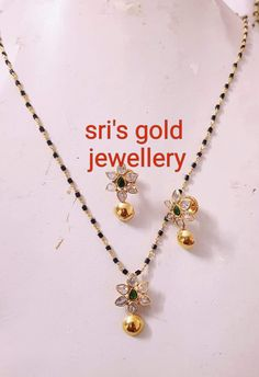 Gold Temple Jewellery, Gold Jewellery Design, Beaded Jewelry Designs, Jewelry Trends, Beaded Jewellery, Black Diamond Chain, Gold Jewelry Simple, Simple Necklace, Gold Mangalsutra Designs