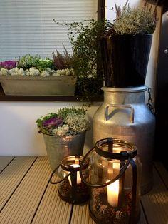Syyskukat parvekkeella Front Door Entrance, Front Porch, Garden Lighting Diy, Porch Garden, Exterior, Winter House, Terrace, Outdoor Living, Sweet Home