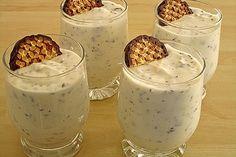 Schaumkuss cream- Schaumkusscreme Foam kiss cream, a very nice recipe from the category dessert. Dessert Simple, Mini Desserts, Easy Desserts, Easy Cake Recipes, Dessert Recipes, Creme Dessert, Thermomix Desserts, Party Buffet, Dessert Party