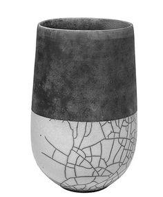 Vase en raku                                                                                                                                                                                 Plus