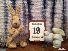 Hyvää pääsiäistä! Happy Easter! Glad Påsk! Calender / kalenteri / ikikalenteri