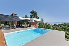 Want this house by Norwegian architect Jan Inge Hovig. For sale, even.