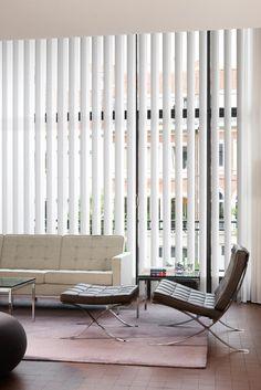 Copahome raamdecoratie / zonwering verticale jaloezieën wit / La décoration de fenêtre. Stores à bandes verticales, blanc