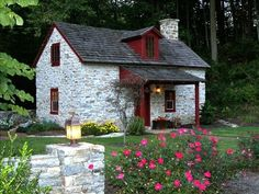 Lancaster Vacation Rental - VRBO 95665 - 1 BR Dutch Country Cottage in PA, Restored Century Stone Cottage Little Cottages, Cabins And Cottages, Little Houses, Stone Cottages, Stone Houses, Cute Cottage, Cottage Style, Irish Cottage, Petits Cottages