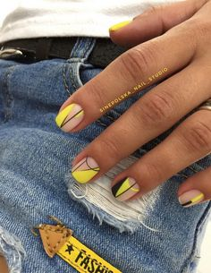 Beautiful Small Nail Art Design Ideas 2018 Nails Art design for very small nails in the autumn and winter season the best examples of the design of very small nails in the photo. These are Beautiful Small Nail Art Design Ideas Simple Nail Art Designs, Easy Nail Art, Nail Designs, Cute Nails, Pretty Nails, Hair And Nails, My Nails, Manicure Y Pedicure, Perfect Nails