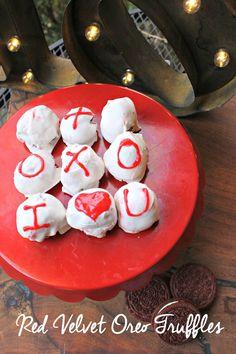 Three Ingredients create these perfectly delicious Red Velvet Oreo Truffles! #ad #marketstreetTX