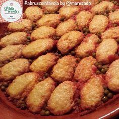 """Le """"pallotte cace e ove"""", chiamate anche polpette cacio e uovo, sono un piatto tipica della cucina """"povera"""" dell'#Abruzzo #italiaintavola #abruzzointavola #italy #italianfood"""
