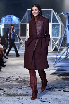 Pin for Later: H&M's Laufsteg-Kollektion macht definitiv gute Laune H&M Studio Herbst/Winter 2015