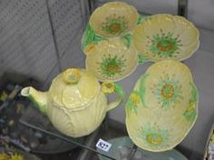Buttercup items in an auction. Carlton Ware, Buttercup, Garland, Auction, Jar, Floral, Pattern, Design, Home Decor