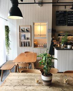 AIDA, Shoreditch Phot: @akshhay on Instagram. #cafe #coffeeshop #coffeebar
