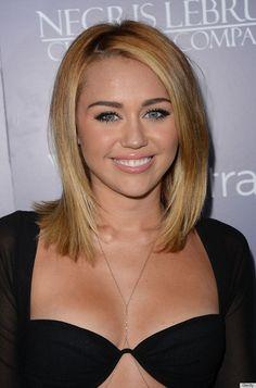Damn, I actually like her hair cut.