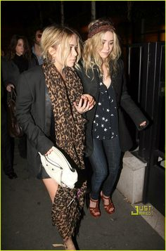 Ashley's navy and stars shirt, Mary-Kate's leopard scarf