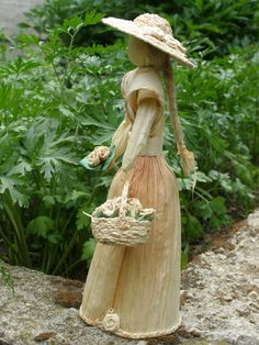 Léna (4) Corn Husk Crafts, Corn Husk Dolls, Gado Gado, Mexican Art, Harvest, Bamboo, Ideas, Straw Crafts, Pom Pom Crafts