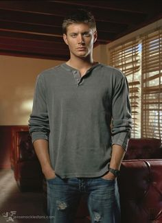 Photo of Season 1 Promo Photos for fans of Supernatural 2643601 Jensen Ackles, Danneel Ackles, Supernatural Photos, Supernatural Jensen, Supernatural Seasons, Smallville, Jesse Ward, Jim Beaver, Cw Series