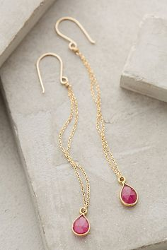 sweet long gold drop earrings #anthrofave http://rstyle.me/n/tcdmwr9te