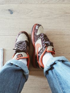 Streetwear, Nike Sb Dunks, Me Too Shoes, Hiking Boots, Nike Shoes, Sneakers, Shopping, Fashion, Shoes